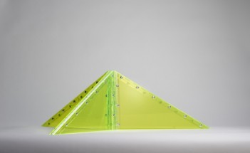 Convertible triangle - Marta Chilindron, Cecilia De Torres Ltd.